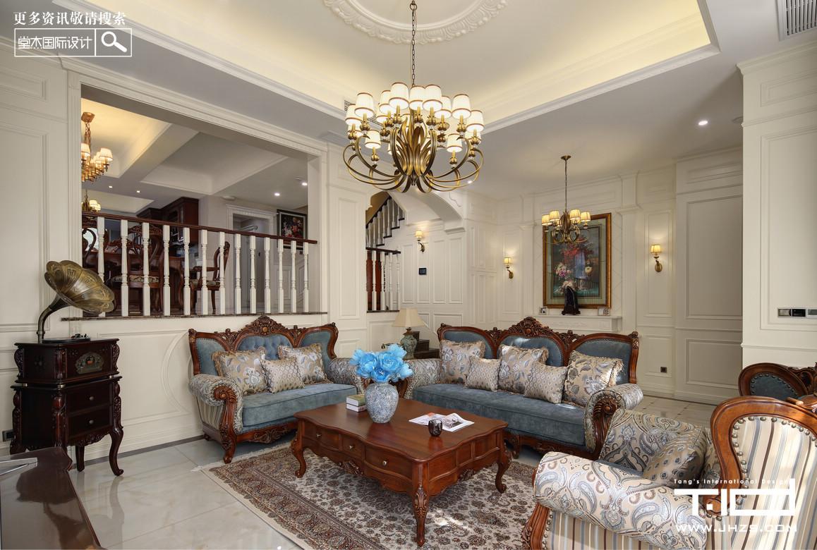 窗帘,壁纸,壁灯,欧式护墙板及线条,同样的装饰元素总能变化出不同的